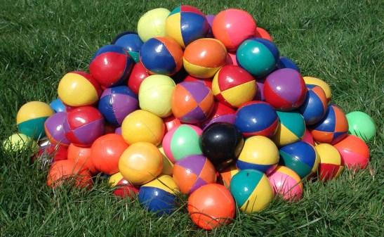juggling-balls- lots