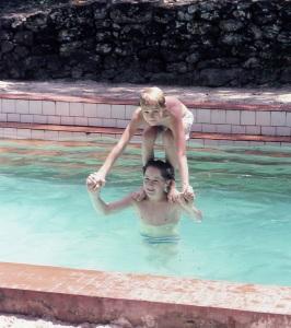 33 Paracrevea, swimming pool, Michael and Daniel